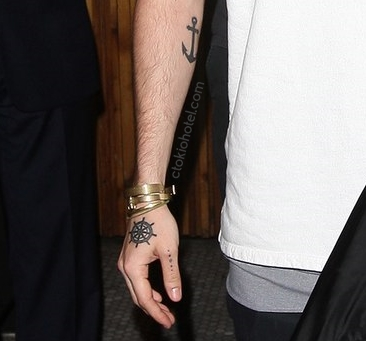 tom kaulitz hand arm tattoo 2016